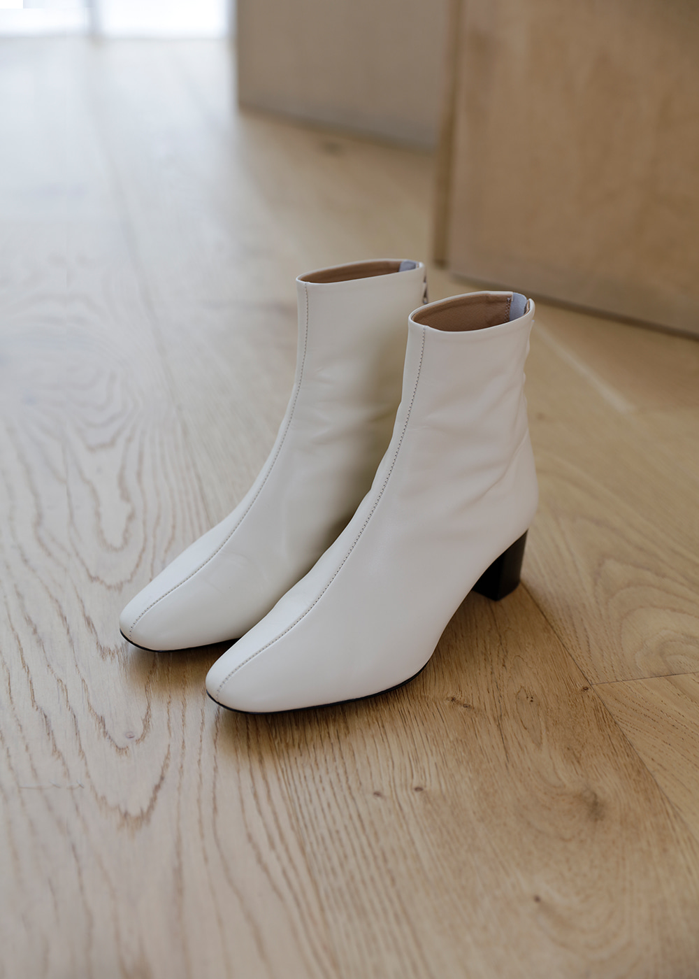 19FW Lead ankle boots (Beige) *주문 후 약 2주 소요됩니다.
